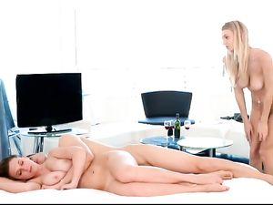 Pornstars Pleasure His Cock In A Great Threesome