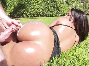 Big Booty Latin Girl Fucked Hardcore Outdoors