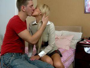 Tramp Stamp Teen Blows Her Boyfriend Passionately