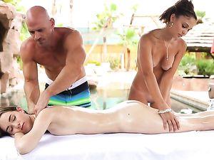 Hot Massage Threesome With Teen Bikini Girls