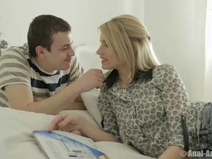 Deepthroating Girlfriend Sits On His Throbbing Erection