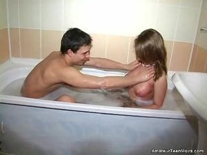 Perky Boobs Teen Blows Her BF In The Bathtub
