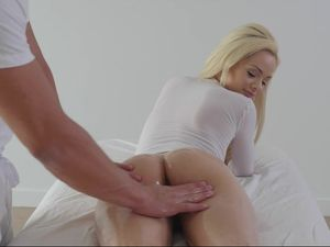 Juicy Pussy Pornstar Moans For Doggystyle Fucking
