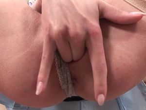 Fit Russian Hottie Double Penetrated By Big Dicks